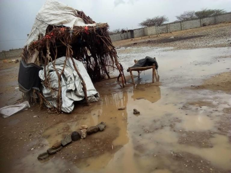 More than 1,000 displaced families lost their shelters as a result of the floods in Hajjah's Abs district on 17 April 2020  Photo: Anwar Abdu/NRC