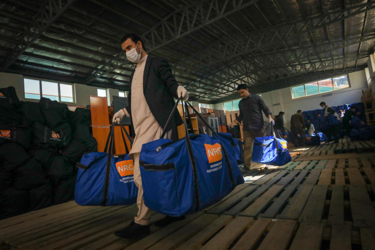 NRC staff have packed the hygiene kits and now loading it to truck them to the informal settlements in Kabul. NRC distribute hygiene and sanitation kits to 4,500 households in nearly 20 different settlements in and around Kabul city. Photo: Enayatullah Azad / NRC