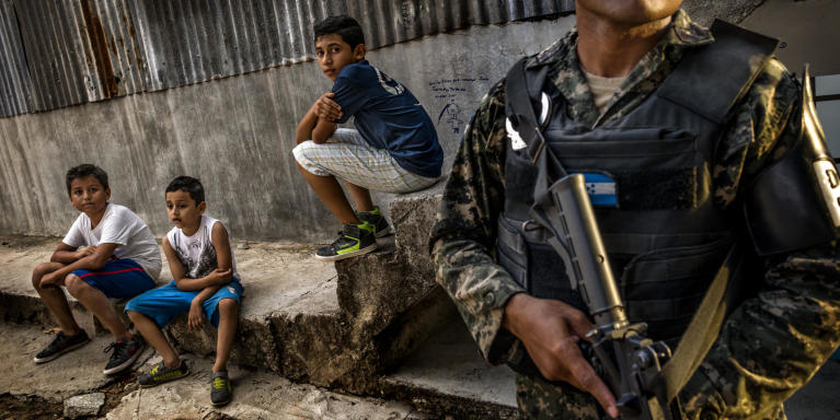 Tegucigalpa. The neighborhood (Villa Cristiana) is controlled by the Mara 13. The armed group does not allow access to the school of children living in the contiguous neighbourhood, as a measure of control. Photo: European Union/ECHO/A. Aragon 2016